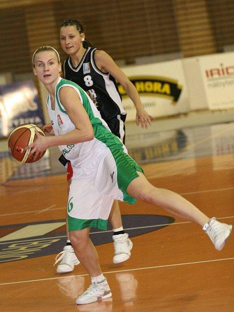Basketbalistky Valosunu nestačily na USK Praha.