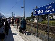 V sobotu ráno začala velká vlaková výluka na brněnském hlavním nádraží.