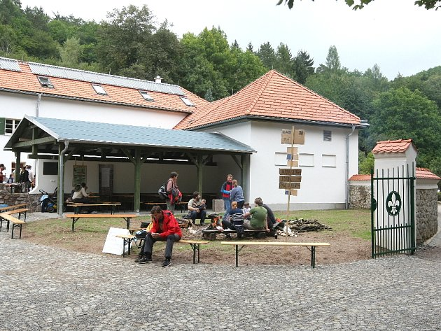 Skauti slavnostně otevřeli mlýn poblíž Ochozu u Brna.