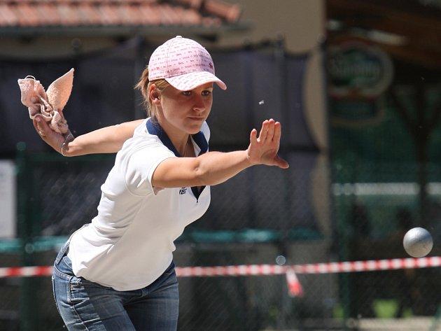 Hana Šrubařová působí v pétanque převážně na pozici střelce.