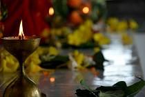 Religionisté z brněnské Masarykovy univerzity ověřili na ostrově Mauricius víc než sto let starou teorii antropologa Bronislawa Malinowského, že takzvané ochranné rituály pomáhají lidem lépe zvládat úzkost.