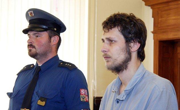 Brněnský městský soud dnes zprostil viny sedmadvacetiletého Marka Doležala, který loni v září zapálil ve Vazební věznici Brno celu a pokusil se utéct.