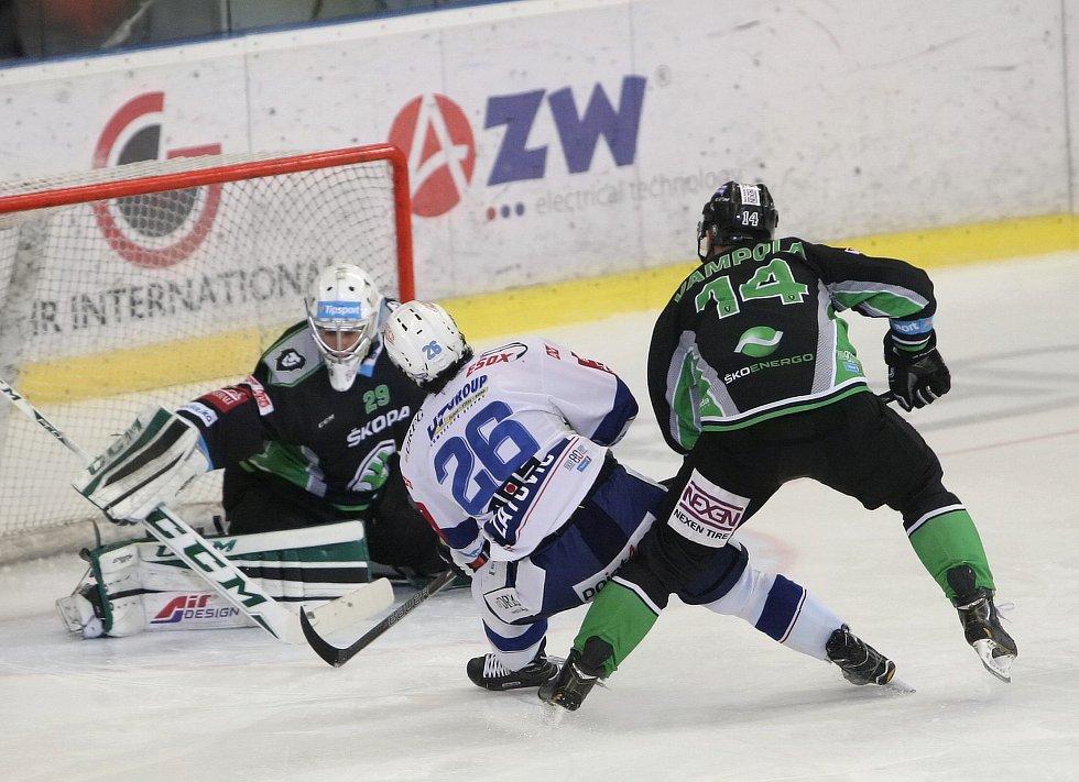 Po sérii nevydařených zápasů na hřištích soupeřů, hokejisté brněnské Komety na domácím ledě zabrali a vyhráli i druhé utkání. Tentokrát přehráli Mladou Boleslav 4:1.