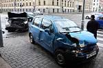 Osobní automobil Daewoo po střetu s Citroenem na křižovatce ulic Koliště a Cejl.