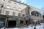 Bývalá léčebna dlouhodobě nemocných poblíž vlakové stanice Babice nad Svitavou.