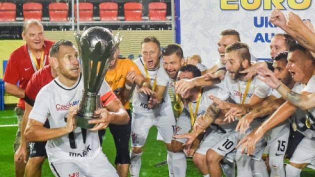 Čeští reprezentanti v malém fotbale se čtyřmi Jihomoravany v sestavě poprvé v historii vyhráli mistrovství Evropy v malém fotbale. Ve finále zdolali šestinásobné evropské šampiony z Rumunska 4:1.
