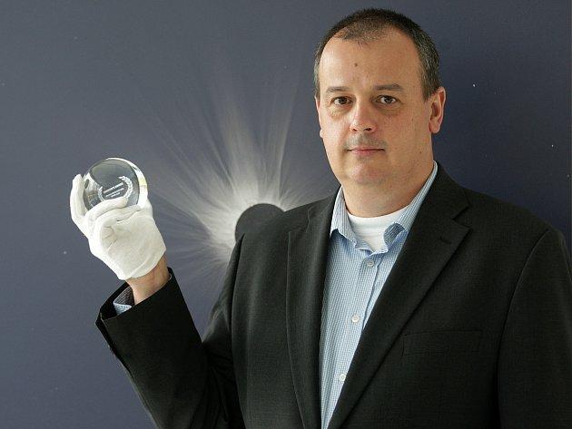 Ředitel brněnské hvězdárny Jiří Dušek (na snímku) se popere o místo v Senátu se Stanislavem Juránkem.