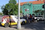 Velkou dávku trpělivosti potřebují řidiči, kteří se rozhodnou projet přes Moravské náměstí. Částečná uzavírka totiž v pondělní odpolední špičce zavinila přeplnění silnic přes Moravské náměstí.