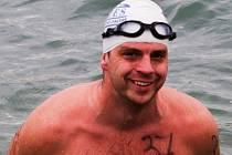 Profesionální hasič Martin Hanáček se už šest let otužuje. Čtyři roky plave za brněnský Fides.