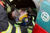 Soutěž o pohár města Rosice ve vyprošťování zraněného člověka při autonehodě.