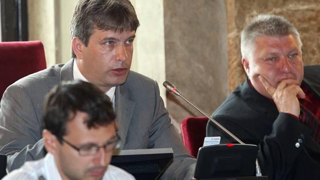 Jednání zastupitelstva - Roman Onderka a Pavel Loutocký.