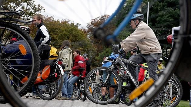 Cyklisté projeli na protest Brnem. Chtěli více místa