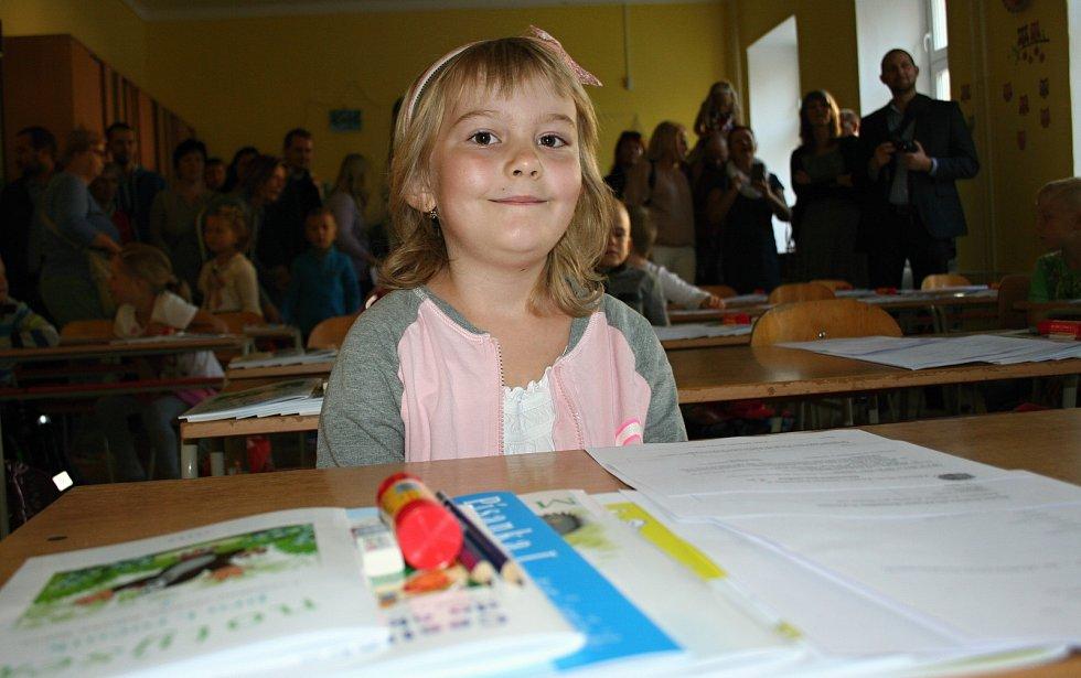 Na šedesát dětí nastoupilo do první třídy na znojemské základní škole na náměstí Republiky.