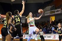 Basketbalistky KP Brno (v bílém Sarah Beránková) v pátek zahájí proti Chomutovu mezinárodní turnaj Jersey Cup.