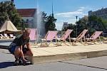 Brno 31.7.2020 - nové odpočinkové molo u kašny na Moravském náměstí