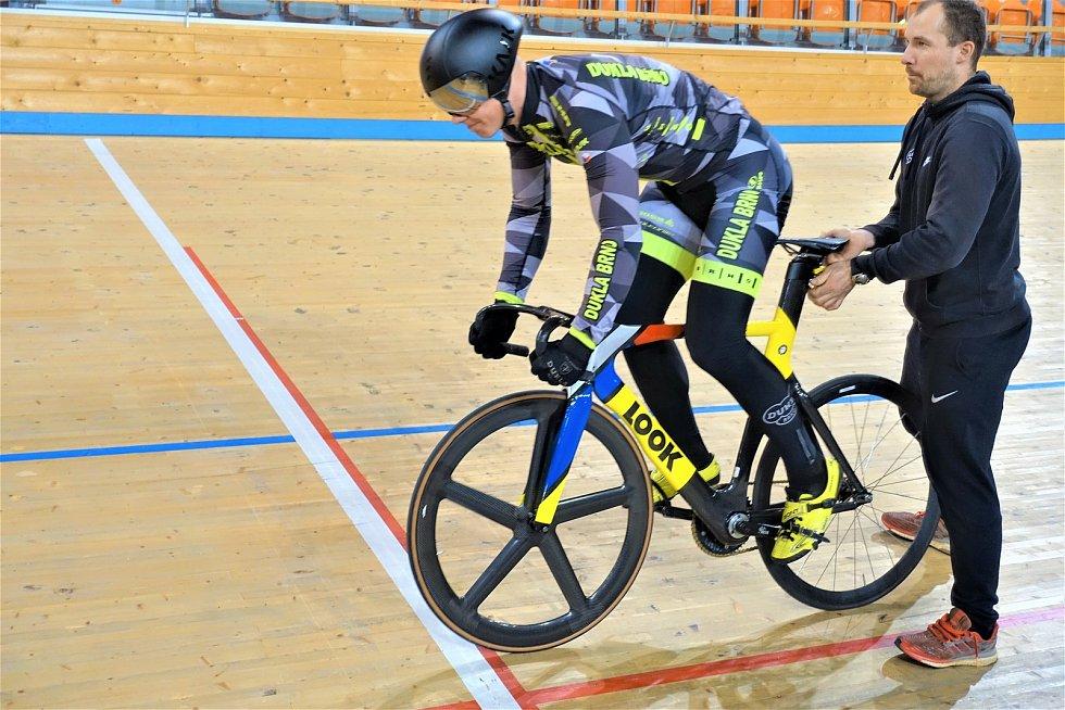 Dráhoví cyklisté brněnské Dukly (David Pagáč) strávili další dva týdny na soustředění v Bulharsku.