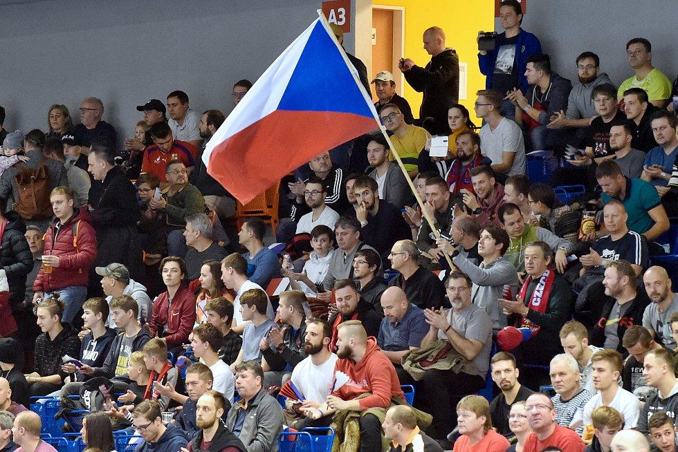 Brno 5.2.2020 - kvalifikační turnaj na futsalové MS 2020 - ČR (bílá) Kazachstán (modrá)