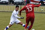 Líšeňští fotbalisté (v bílém David Krška) zvítězili před startem jarní části FORTUNA:NÁRODNÍ LIGY v přípravném utkání s Třincem 1:0.