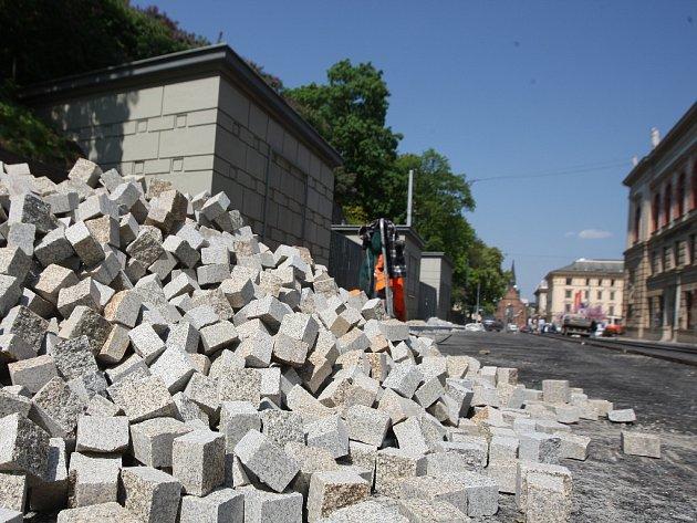 Rekonstrukce Husovy a Pekařské ulice.