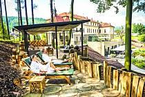 Relaxace ve venkovních prostorách Augustiánského domu v Luhačovicích