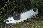 Tragická havárie v lese mezi Babicemi a Křtinami. Foto: PČR