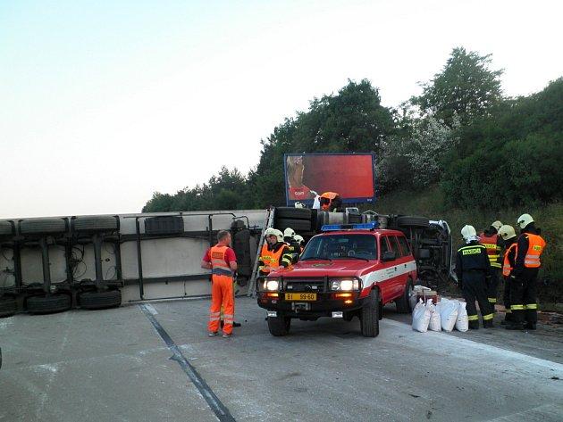 Nehoda kamionu na 173. kilometru dálnice D1.
