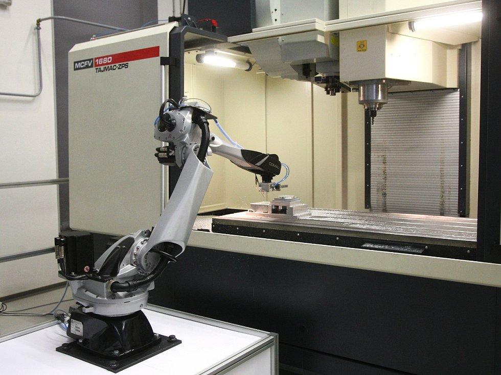 Výzkumníci z centra Intemac v Kuřimi sestavili výrobní stroj budoucnosti. Má napomoci v další průmyslové revoluci.