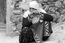 VESNIČANKA. Z muslimské obce Ribnovo v Bulharsku.