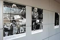 Výstava fotografií o Olze Havlové.