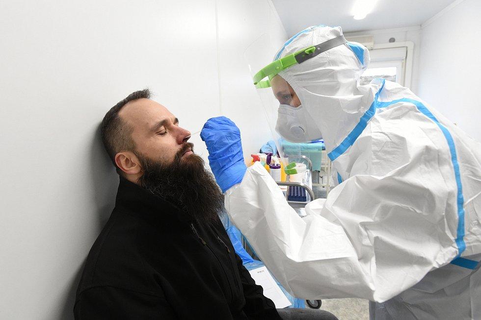 Brno 16.12.2020 - antigenní odběrové centrum ve FN Brno v Bohunicích