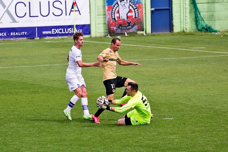 Fotbalový zápas mezi brněnskou Zbrojovkou a Líšní.
