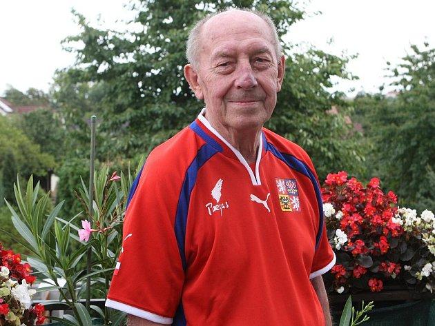 Bývalý fotbalový útočník a stříbrný medailista z olympiády Karel Lichtnégl.