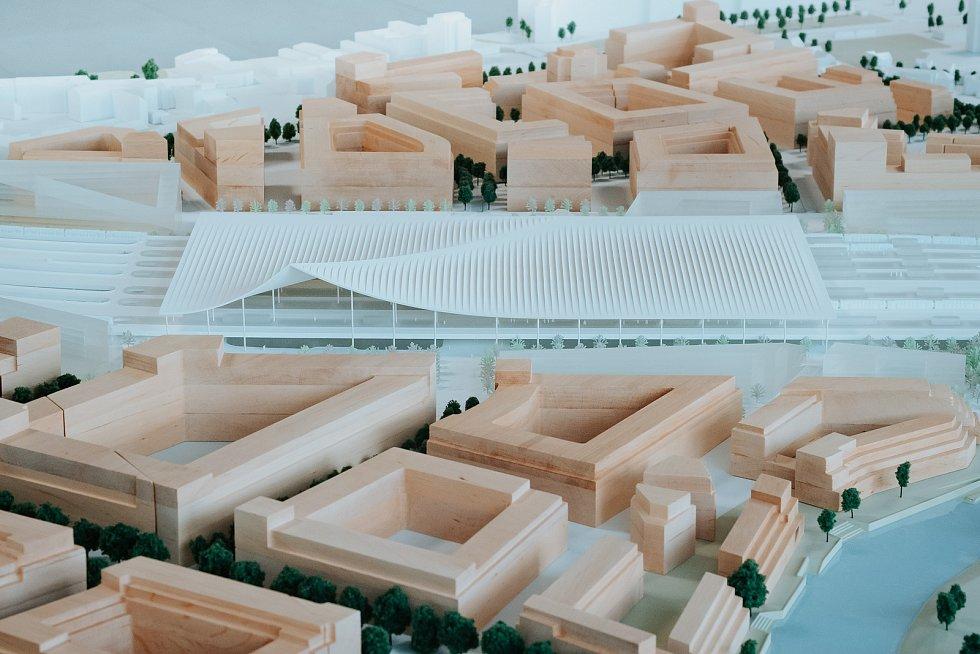 Čtvrté místo: model návrhu podoby nového hlavního vlakového nádraží v Brně od BIG – Bjarke Ingels Group + A8000 s.r.o. ve fyzické podobě.