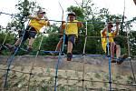 V brněnské ZOO otevřeli novou atrakci pro děti - lanovou opičí dráhu. Také nové zázemí pro žirafy.