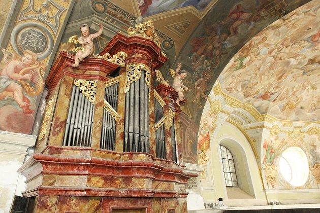 Přes padesát let varhany vbrněnské Loretě nevydaly ani hlásku. Minorité jim však nyní chtějí vdechnout nový život. Jde totiž ovelmi cenný nástroj, který patří knejstarším vcelém Brně.