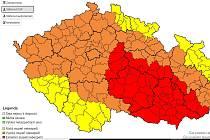 Meteorologové z Českého hydrometeorologického ústavu zpřísnili pro Jihomoravský kraj a kraj Vysočina výstrahu na extrémní stupeň nebezpečí.