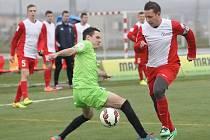 Mělo jít o třeskutý souboj druhého a třetího týmu Ligy malého fotbalu. Jenže odpovídající výkon předvedl pouze hostující Most. V Brně od úvodních minut dominoval a odvezl si zasloužené vítězství 5:2.