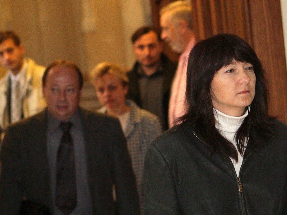 Pokračování kauzy Kuřim - Ivana Vařáková, sestra Evy Tesařové. Hrála roli sociální pracovnice