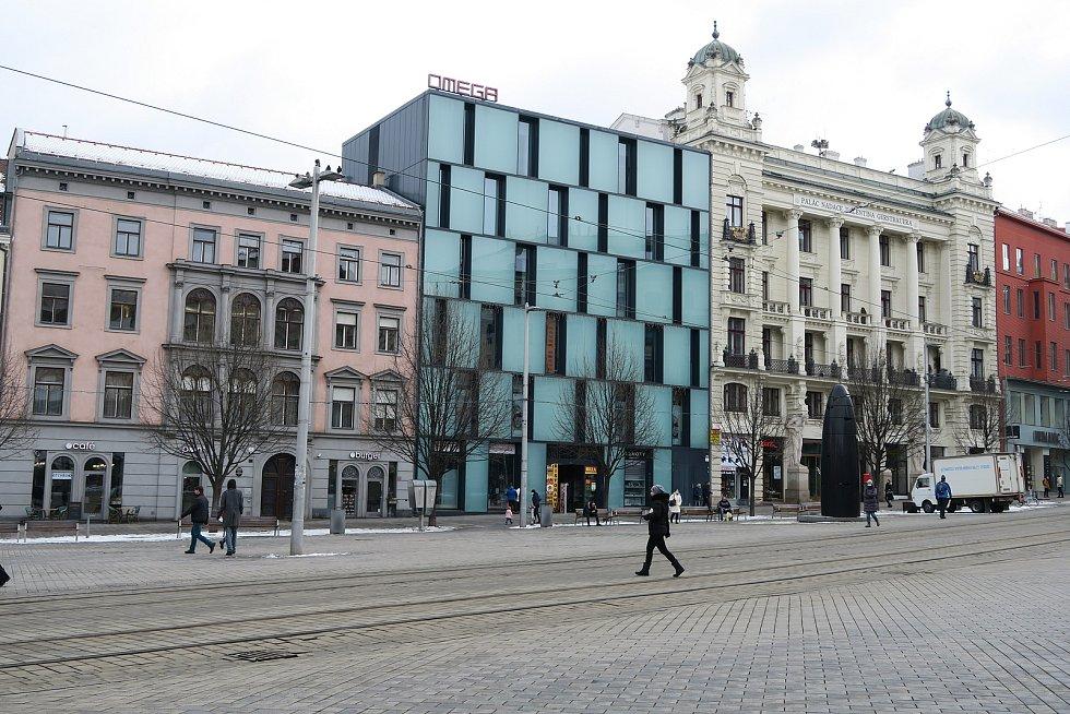 Obchodní palác Omega na náměstí Svobody v Brně stojí patnáct let.