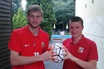 Zadáci Jan Hloch a Michal Mezník z brněnského superligového týmu Sport Centrum Srbská bojují o účast v konečné nominaci na evropský šampionát malého fotbalu do 21 let.