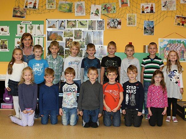 Žáci 1.ročníku ze ZŠ vTelnici spaní učitelkou Leonou Bímovou.