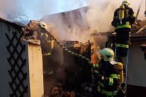 Požár přístavku rodinného domu v Sokolnicích na Brněnsku