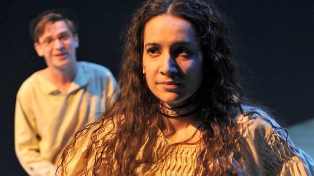 Divá Bára je první titulní rolí Andrey Březinové, která na hudební scéně Městského divadla Brno působí od srpna roku 2010.