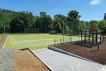 V Dolních Kounicích na Brněnsku vzniklo nové hřiště. Nabízí několik sportů.