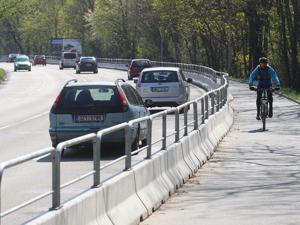 Kníničská ulice v Brně.