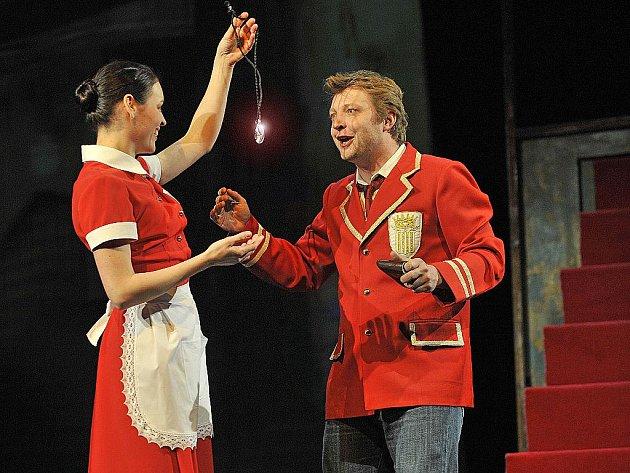 Michal Isteník a Evelína Kachlířová ztvárňují dvojici Danteho a Kacy.