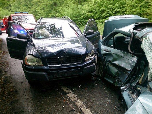 Nehoda se stala v zatáčkách ze Žebětína do Kohoutovic.
