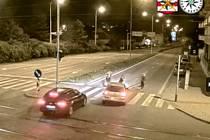 Tragédií mohl skončit střet osobního auta s mladou ženu přecházející přes přechod pro chodce v Židenicích.