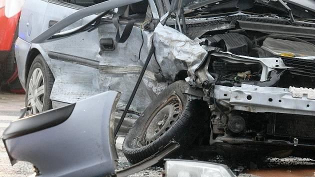 Nehoda dvou aut v brněnských Bohunicích.