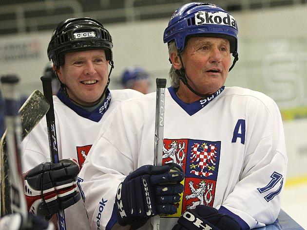 Hokejová legenda Richard Farda (vpravo).